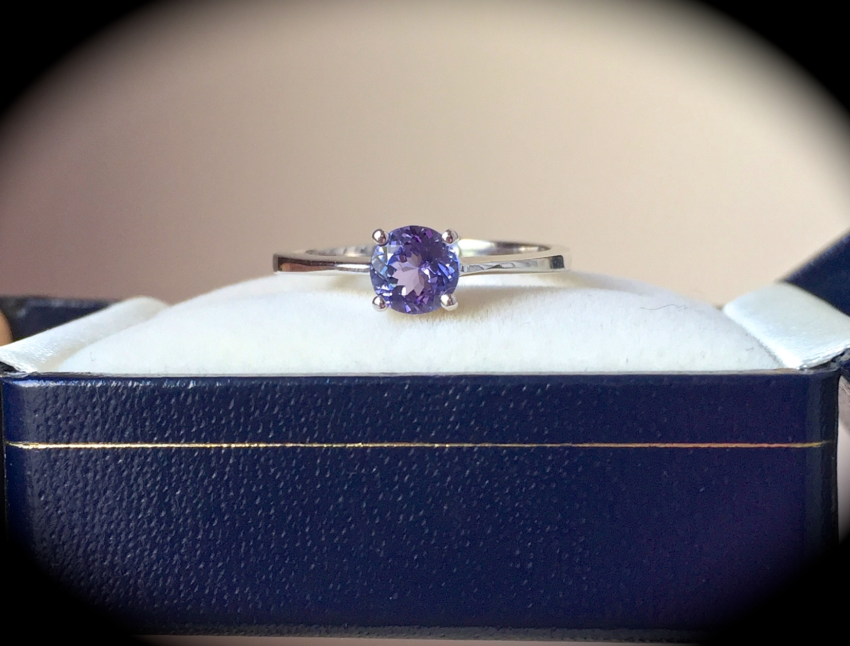 tanzanite jewellery zag investment zig tag ring bespoke grade gemstone diamond customised halo