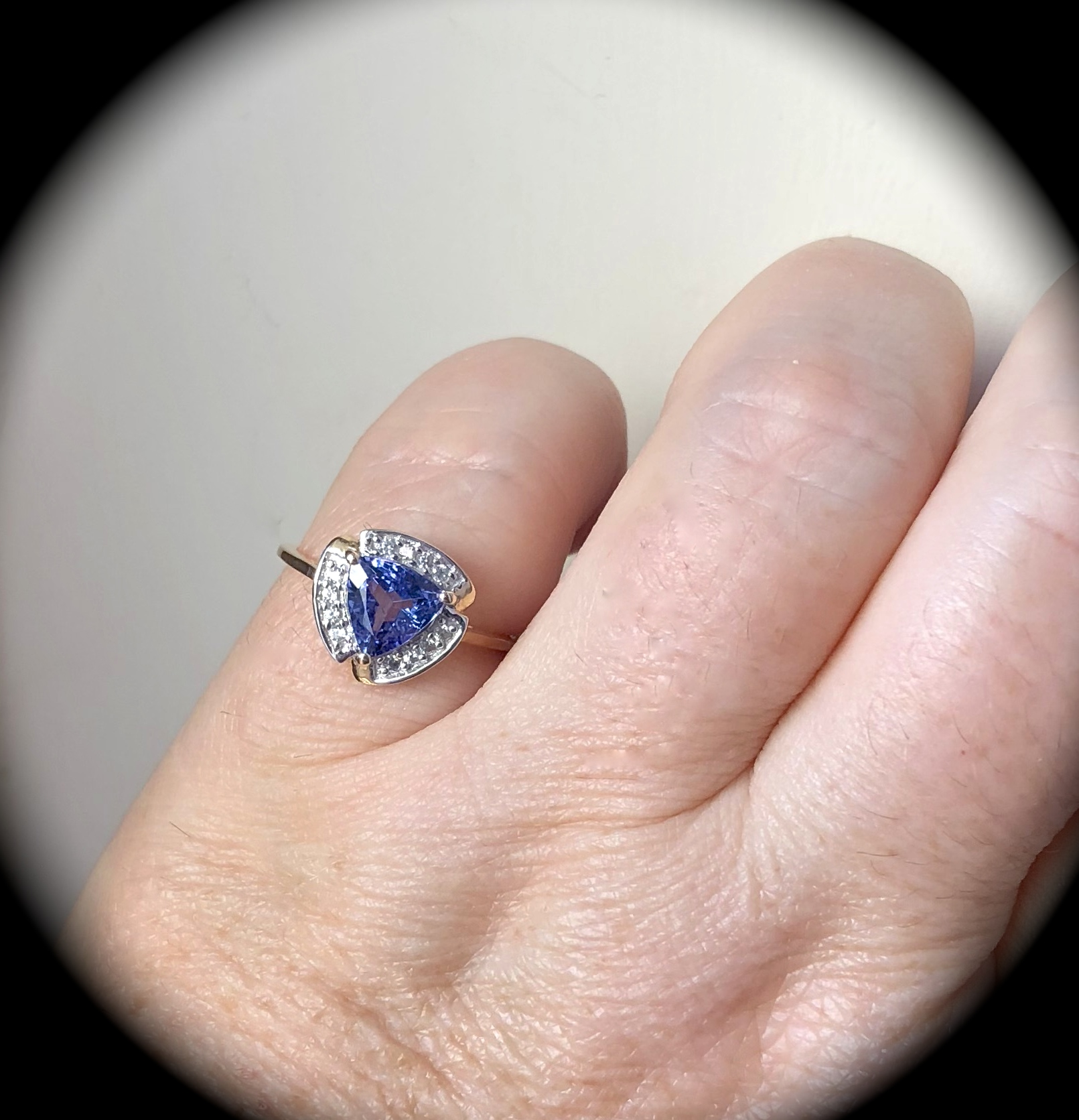 1.25CT TANZANITE RING 9K Y GOLD SIZE N \'CERTIFIED AA\' EXQUISITE COLOUR!