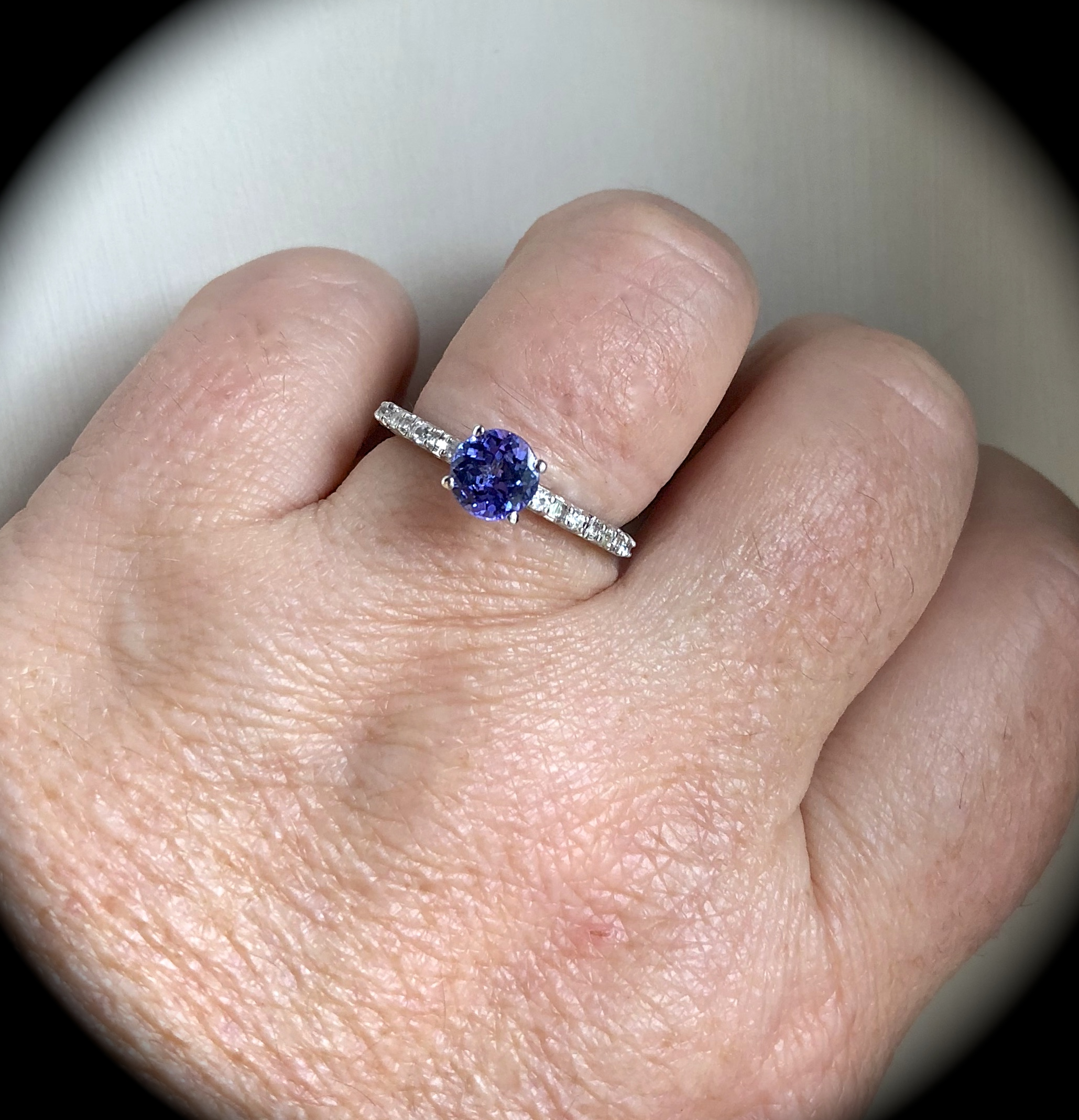 1.16CT TANZANITE 9K W GOLD RING SIZE Q \'CERTIFIED AA\' EXQUISITE COLOUR!